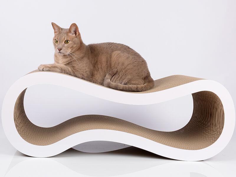 Singha L design cat scratcher
